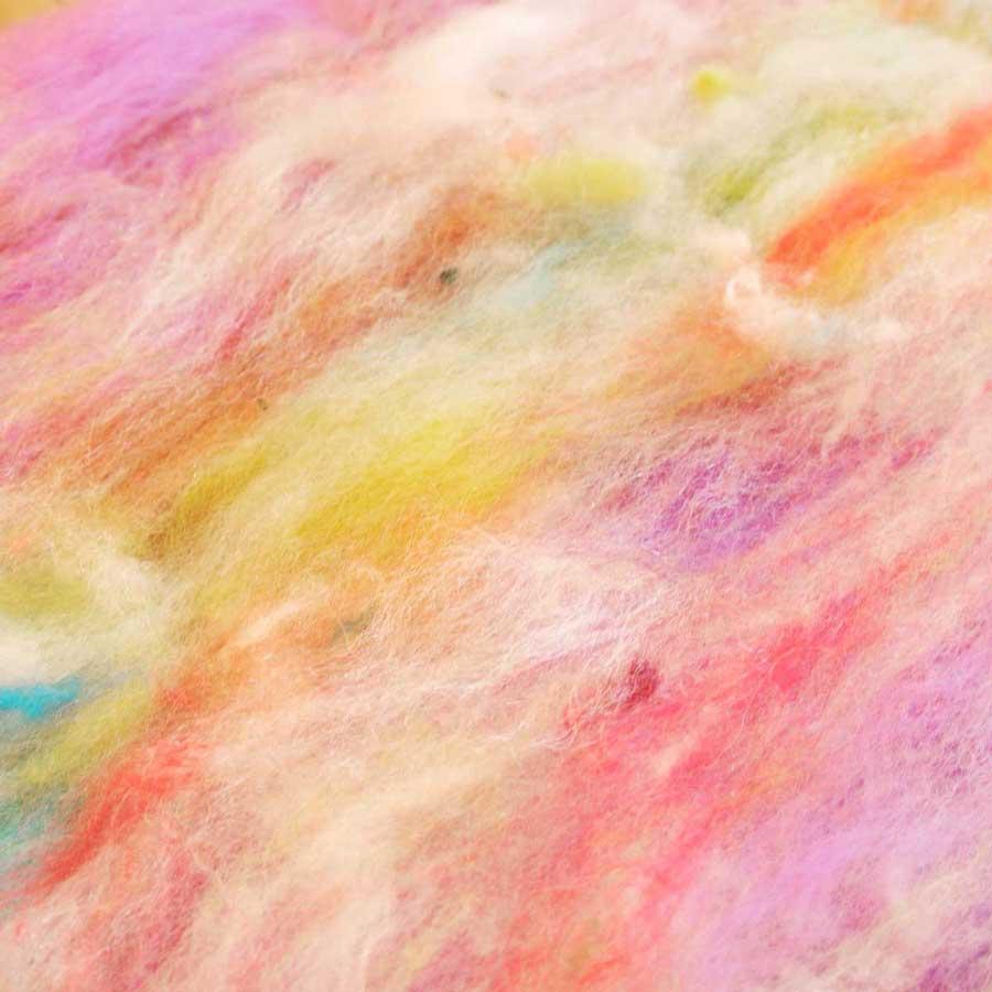 カラフルな羊毛フェルト